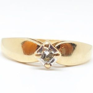 10k Yellow Gold Genuine Vintage Diamond Ring